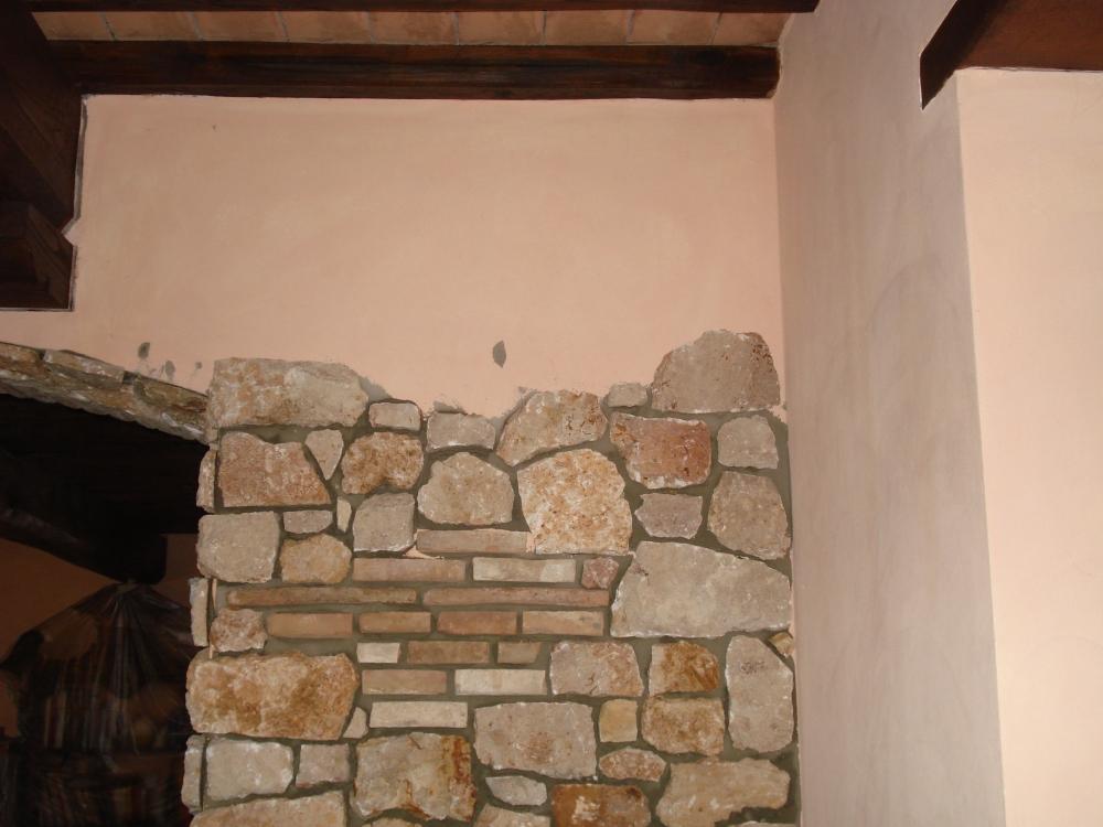 Pietra spugnosa da rivestimento travertino pietra da rivestimento burlarelli snc - Pietra da rivestimento esterno ...