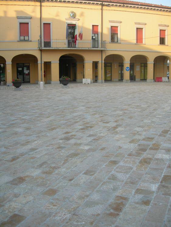 Pietre per arredo urbano pavimentazione e rivestimenti for Colmef pietre d arredo